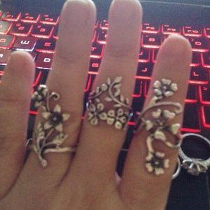 Jewelry - Sale 3 Piece Boho Flower Garden Rings